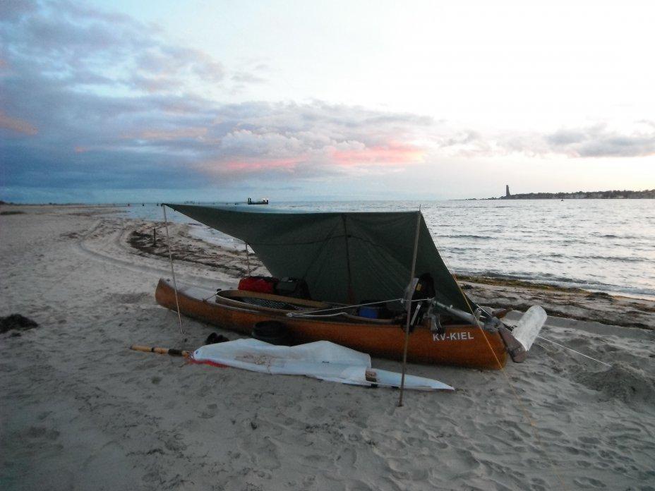 Erste Übernachtung im Kanu am Falckensteiner Strand